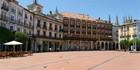 El nacimiento de un caballero en Plaza Mayor, Burgos